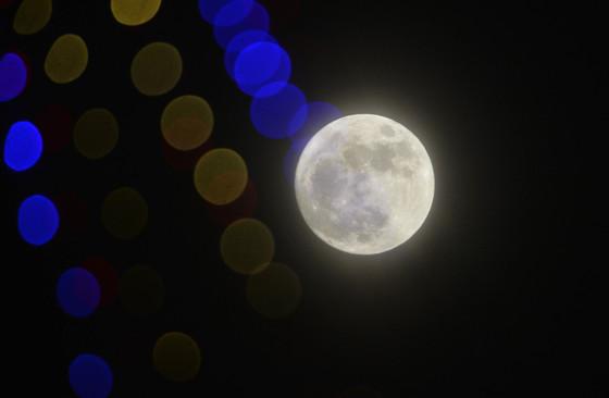2016년 12월13일 밤 하늘에 뜬 슈퍼문. 김성태 기자