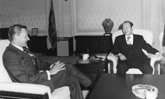 1982년 전두환 전 대통령과 접견하고 있는 브레진스키전 백악관 국가안보 보좌관. [중앙포토]
