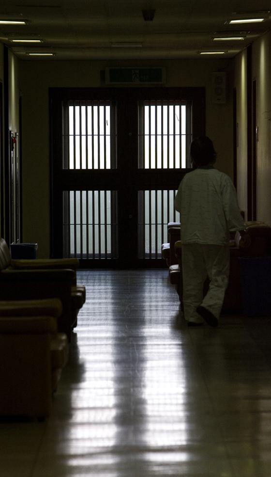 서울의 한 정신병원 내부 모습. [중앙포토]