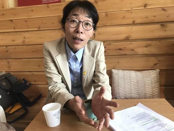 """'안아키'운영자였던 김효진 한의사는 """"부모에게 약을 덜 쓰고 자연 면역력을 길러주는 방법을 가르쳐 준 것일 뿐""""이라고 주장했다. 이민영 기자"""
