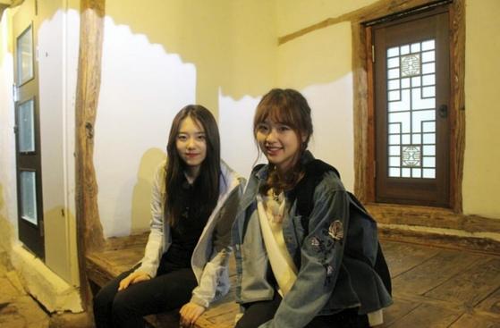 김소혜(왼쪽)와 손연재 [사진 온라인 커뮤니티(EBS 대학생 기자단)]