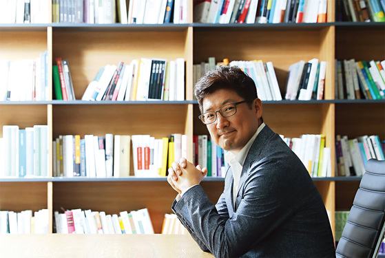 미국 스탠퍼드대학교 교육대학원 부학장인 폴 김 교수는 CTO(최고기술경영자)로서 혁신리더 양성과 창업교육 프로그램 개발에 매진해왔다.