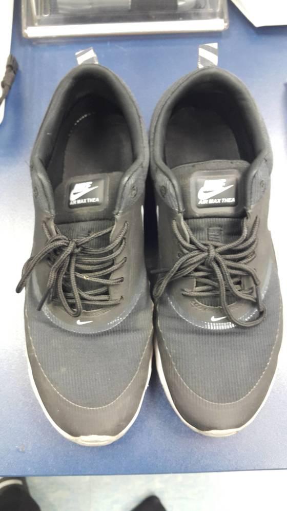 외삼촌을 살해한 김씨가 신었던 신발. 범행 뒤 김씨는 피 묻은 옷은 갈아입었지만 CCTV에 찍힌 이 신발을 갈아신지 않아 경찰에 덜미를 잡혔다. [사진 부산지방경찰청]