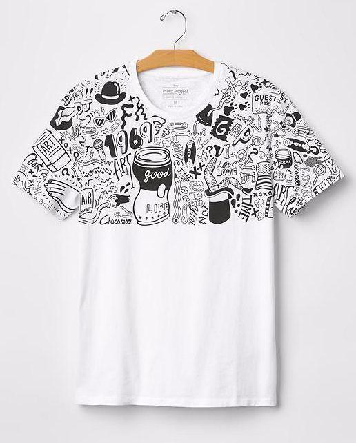 갭과의 협업으로 만든 티셔츠(2015).