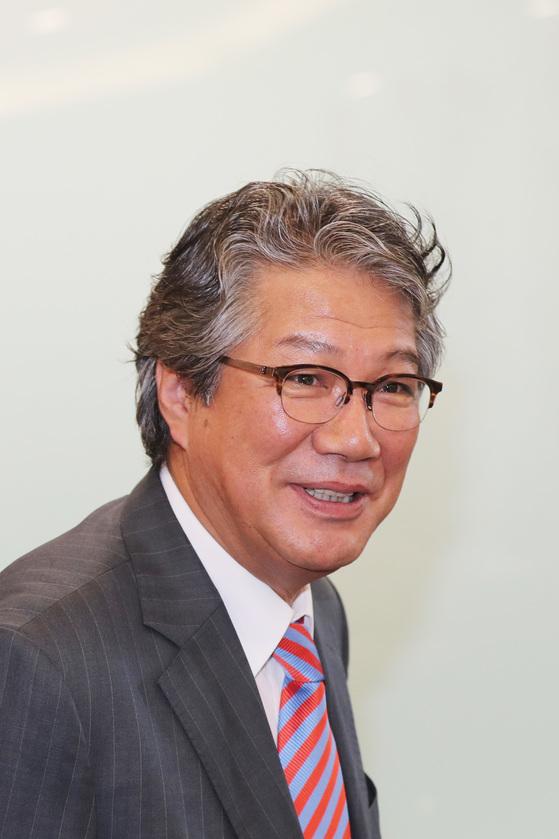 국정기획자문위원회 각 부처 업무보고를 시작한 24일 김기정 위원장이 입장하고 있다. 전민규 기자