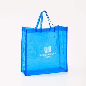 """""""말 걸지 말라""""는 뜻의 쇼핑백. 매장 입구에서 이 백을 집어 들고 쇼핑하면 점원이 일절 말을 걸지 않는다. [사진 NHK 캡처]"""