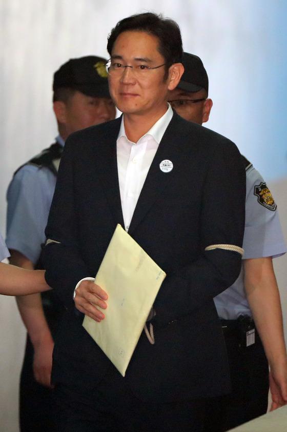 이재용 삼성전자 부회장은 재판이 진행 중이라 방미가 어려울 전망이다. 김춘식 기자
