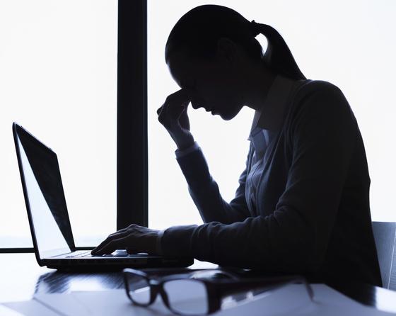 간호사나 경찰관처럼 야간에 교대 근무를 해야 하는 사람들은 그렇지 않은 사람보다 우울증에 걸릴 위험이 최대 2배에 달한다는 연구 결과가 나왔다. [중앙포토]
