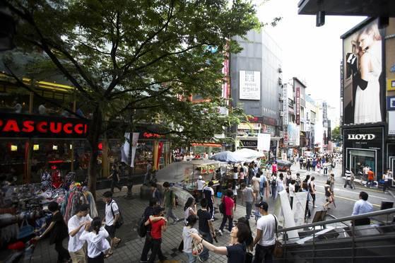 K-뷰티 열풍으로 인해 외국인 환자수가 크게 증가한 서울 중구의 명동.[사진 중구청]