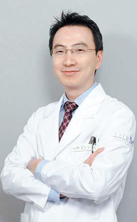에버엠치과에서는 투명양악수술, IVRO 양악수술 등 다양한 양악수술이 가능하다.