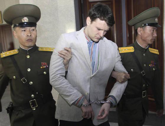 최근 사망한 오토 웜비어가 북한에서 체제전복혐의로 재판을 받을 당시 모습. [AP=연합뉴스]
