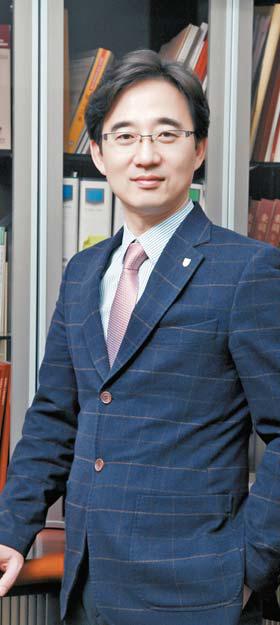 김상용 교수는 마케팅 분야 최고 권위의 학술단체인 한국마케팅학회 회장을 맡고 있다.