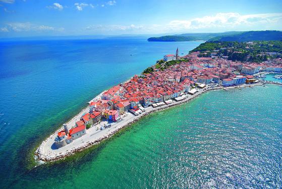 김이듬 시인은 가장 인상적인 여행지로 슬로베니아를 꼽았다. 사진은 남부 해안도시 피란. [사진 슬로베니아관광청]