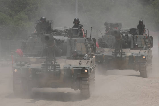 기사와 관련 없는 사진. 훈련을 위해 육군의 자주포가 이동 중이다. [연합뉴스]