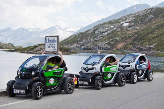 르노에서 만든 2인용 전기차 '트위지'도 대회에 참가했다. 올해 안에 한국에서도 판매될 예정이다.
