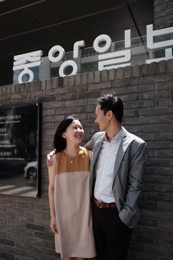 '가슴으로 아이를 낳은' 입양가족 부부 박정은씨와 남편 이상호씨를 지난달 서울 소공동 중앙일보 사옥에서 만났다. 사진=조민아