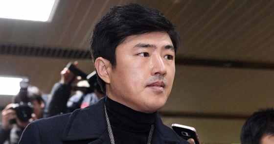 """'고영태 녹취파일' 당사자인 김수현 전 고원기획 대표가 녹취 파일 속 내용은 """"과장과 허풍이 섞인 남자들의 대화일 뿐 사실이 아니다""""고 증언했다. [중앙포토]"""