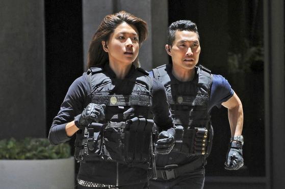 미국 CBS 드라마 '하와이 파이브-오'에 출연했던 한국계 미국 배우 그레이스 박(왼쪽)과 대니얼 대 킴.
