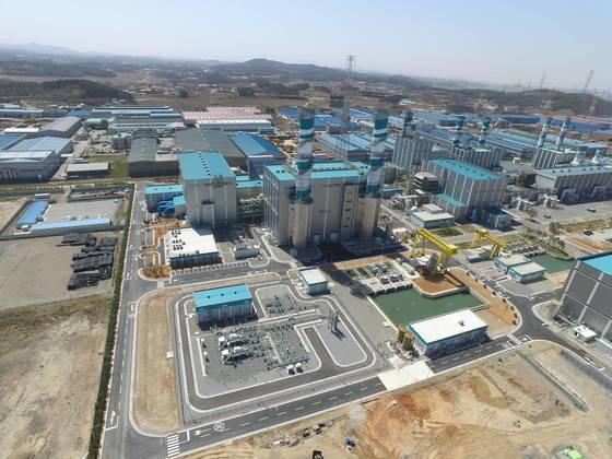 지난 7일 충남 당진에 국내 최대 발전용량의 LNG 복합화력발전소 4호기가 준공됐다. [GS 제공=연합뉴스]