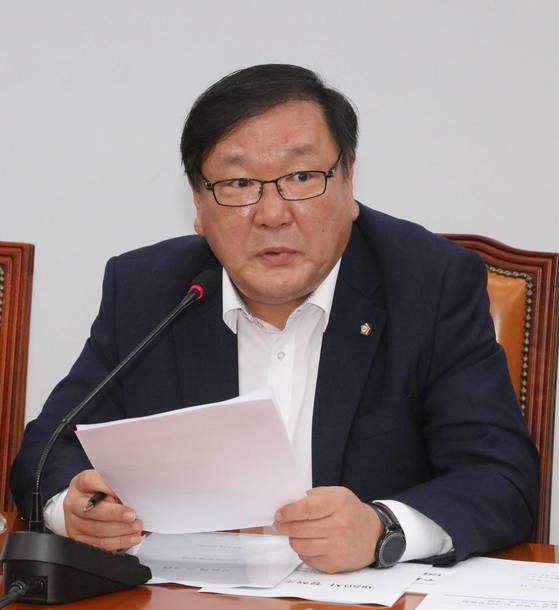 김태년 더불어민주당 정책위의장이 13일 정책조정회의에서 발언하고 있다. [연합뉴스]