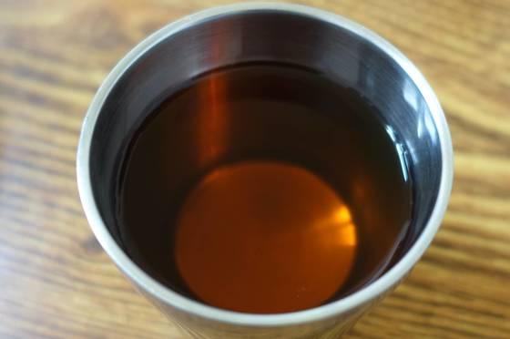 이 집은 물도 흔한 정수기 물을 주지 않고 볶은 결명자와 둥굴레를 넣고 정성 들여 끓인 '차'를 내놓는다.