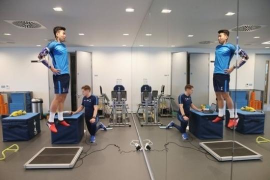 토트넘 손흥민이 팀 훈련에 참가해 재활훈련을 시작했다. [토트넘 트위터]