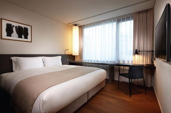 신라스테이 마포 스탠다드룸 전경. 비즈니스 호텔인 신라스테이는 구등급을 기준으로 하면 특2급 호텔이지만 부대시설 미비로 신등급에선 3성급을 받았다. / 사진:신라스테이
