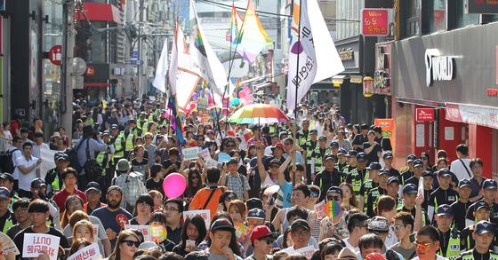 지난달 대구 동성로에서 열린 성소수자 인권 행사 '제8회 대구퀴어문화축제' [프리랜서 공정식]