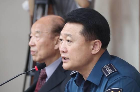 경찰개혁위원회 권고안 관련 발언하는 이철성 경찰청장. [연합뉴스]