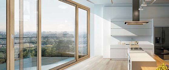 고단열 창호 '수퍼세이브 5 시리즈'가 보이는 주방 모습.