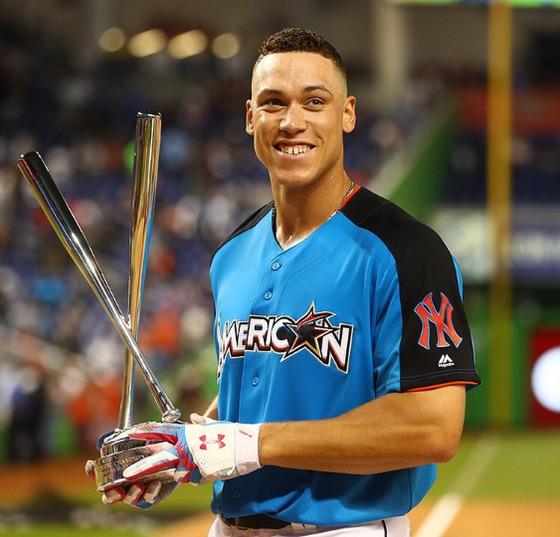 11일(한국시간) 마이애미 말린스 파크에서 열린 홈런 더비에서 우승한 애런 저지(뉴욕 양키스). [MLB 공식 인스타그램]