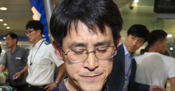 22일 귀국한 김학철 충북도의회 의원 [연합뉴스]