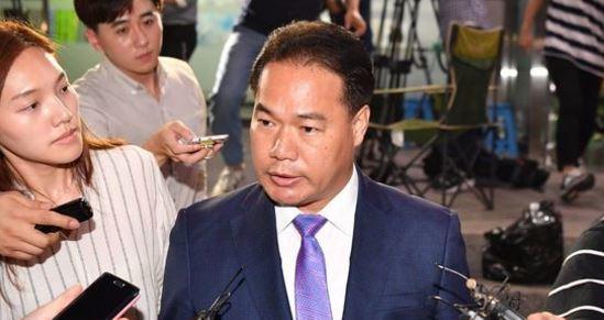 """지난 대선 당시 국민의당 공명선거추진단장을 맡았던 이용주 의원. 조작사건과 """"제보자료가 허위였다는 점을 인식하고 있었다는 증거가 발견되지 않아"""" 무혐의 처분을 받았다. [연합뉴스]"""