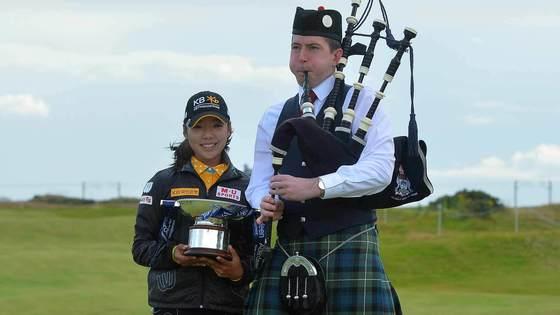 31일 스코티시 여자 오픈에서 우승한 뒤 활짝 웃는 이미향(왼쪽). [사진 LPGA]
