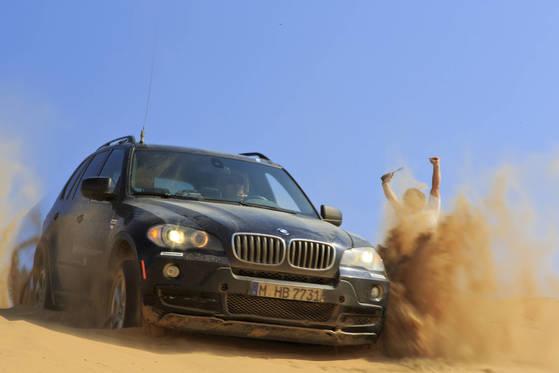 나미비아에서 7박8일동안 BMW를 타고 사막과 초원을 달렸다.