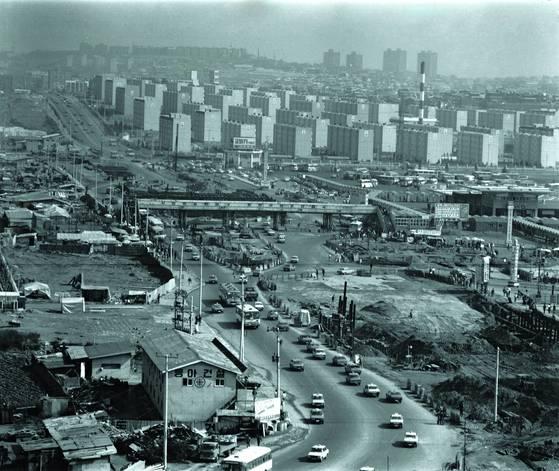 1978년 반포 모습. 부자들은 70~80년대에 주로 강남에서 부동산 투자를 시작했다. [자료 서울역사박물관]