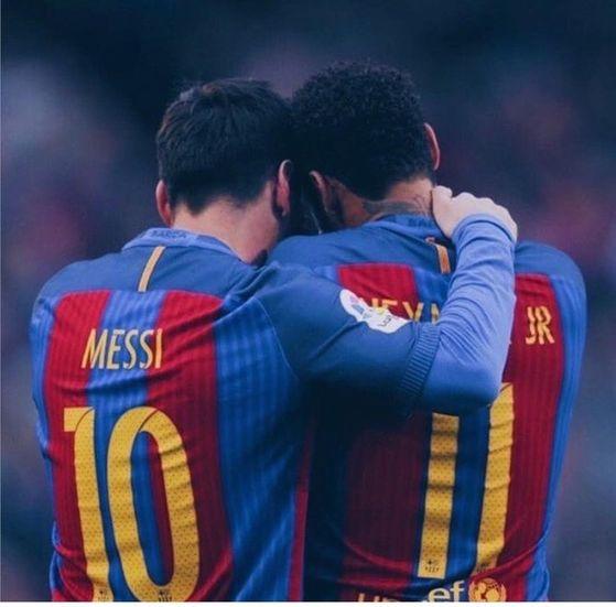 바르셀로나에서 메시(왼쪽) 그림자에 가려 2인자에 머물렀던네이마르. [사진 네이마르 인스타그램]