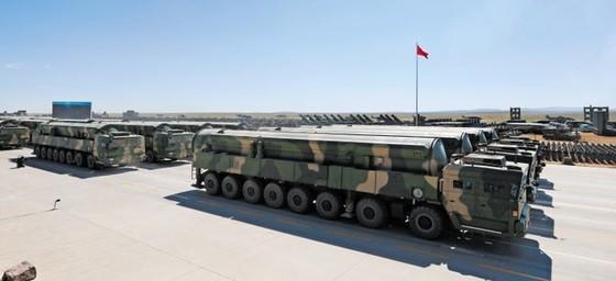 신형 대륙간탄도미사일(ICBM) 둥펑(東風·DF)-31AG [사진 신화망]
