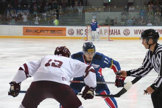 한국 아이스하키 대표팀이 3일 체코 프라하에서 명문 스파르타 프라하에 2-1로 승리했다. [사진 대한아이스하키협회]