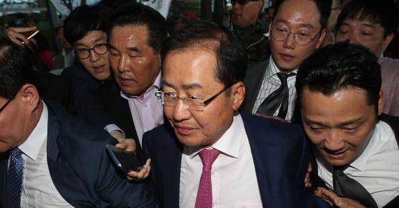 홍준표 자유한국당 대표가 미국을 방문했다가 인천공항을 통해 귀국할 당시. 오종택 기자