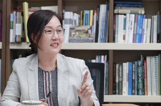 """부동산 전문가인 김현아 의원은 """"베이비부머가 노후 대비를 위해 임대 목적으로 집을 사려고 하면서 시장이 과열됐다""""며 """"올 하반기부터 입주가 늘어나 내년이면 시장이 안정될 것""""이라고 내다봤다. [임현동 기자]"""