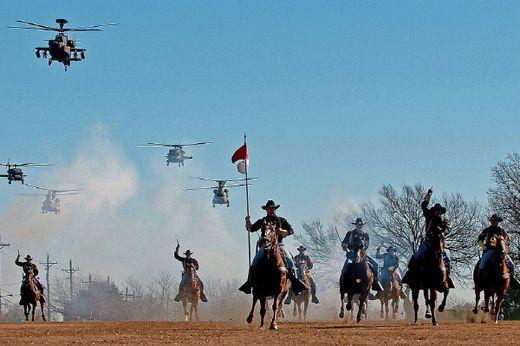 제1기병사단은 미군이 참전한 대부분의 전쟁에서 활약하였다. 이처럼 미군은 굳이 새로운 부대를 편성하여 참전이나 파병한 후 해체하지는 않는다. [사진 wikipedia]