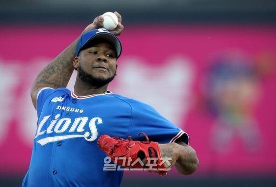 보니야가 7이닝 3실점을 기록한 지난 10일 수원 KT전에서 역투하고 있다. 사진=삼성 제공