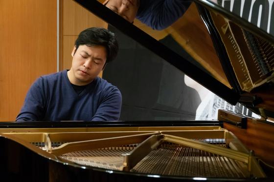 논리적이고 구조적인 독일 음악을 주요 연주곡으로 하는 피아니스트 김선욱. 다음 달 국내 독주회를 연다. [사진 빈체로]