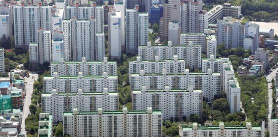 정부의 규제에도 불구하고 부동산 거품은 꺼지지 않는다는 평가다. / 사진:연합뉴스