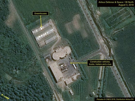 미국의 북한 전문 매체 [38노스]가 지난 8월 3일 촬영한 는 평안북도 동창리 서해위성발사장. / 사진:연합뉴스