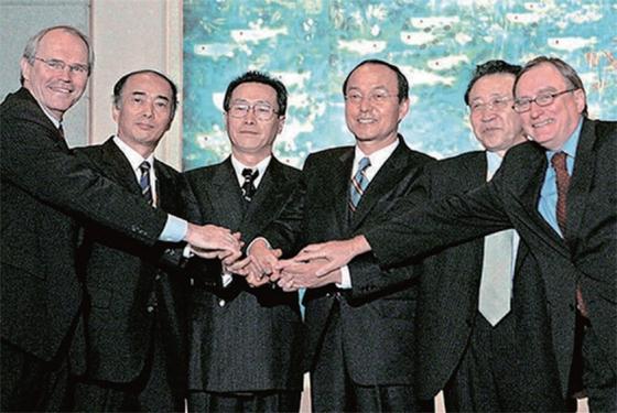 2005년 6자회담 수석대표들이 합의한 9·19 공동성명도 결국 휴지조각이 됐다.