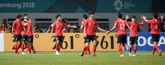 24년 만의 AG 대결... 우즈베크전 설욕 기회 잡은 한국 축구