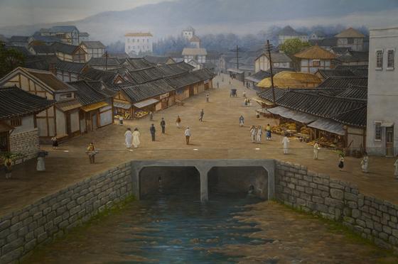 1910년대 청계천의 모습이다. 생활하수·공장폐수가 흘러들어 악취가 났다.