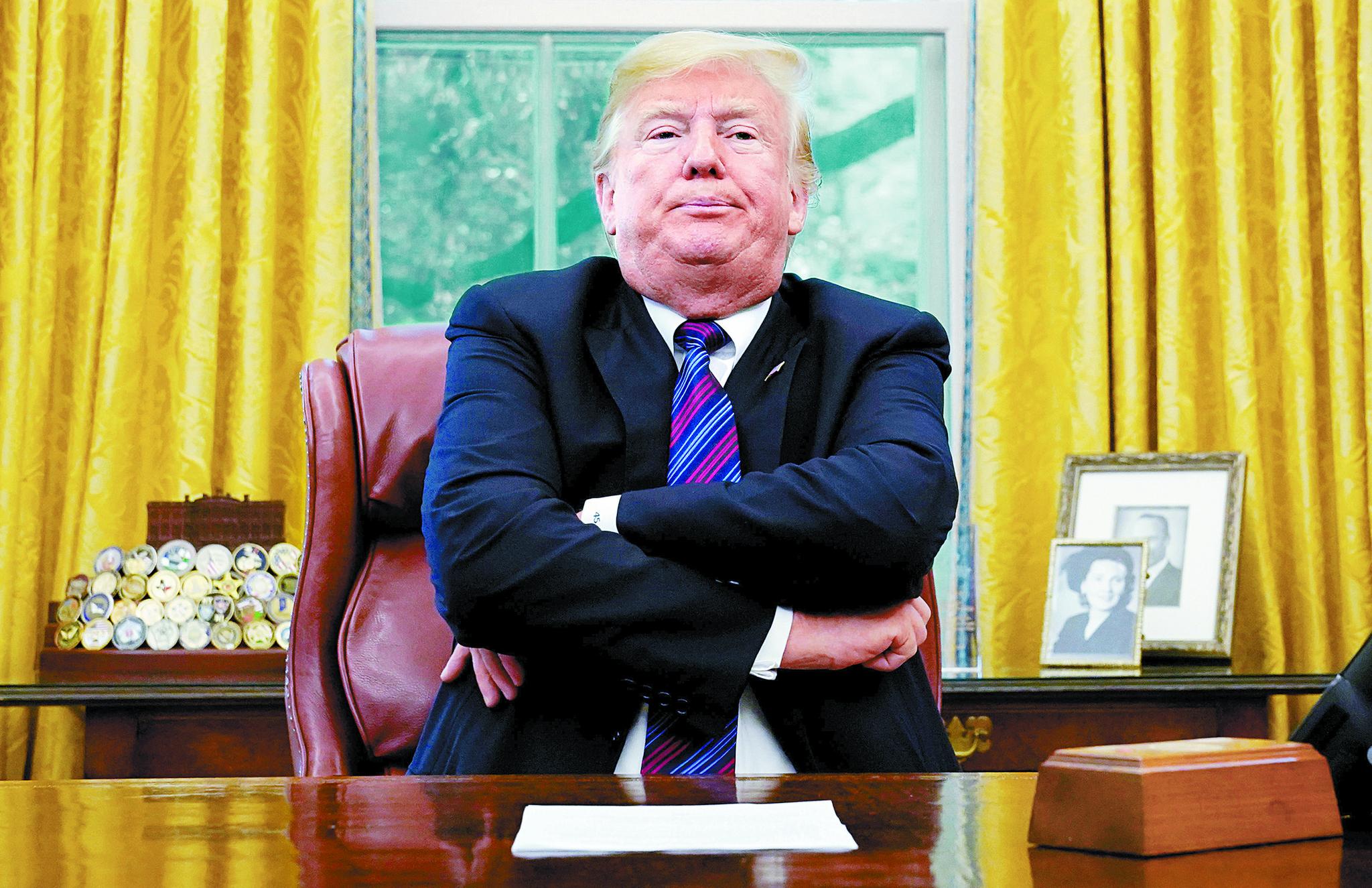 27일(현지시간) 백악관 집무실에서 멕시코와의 북미 자유무역협정(NAFTA) 재협상 타결 소식을 알린 도널드 트럼프 미국 대통령. [로이터=연합뉴스]